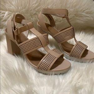 Clark's Artisan Blush Heels Shoes Office Dressy